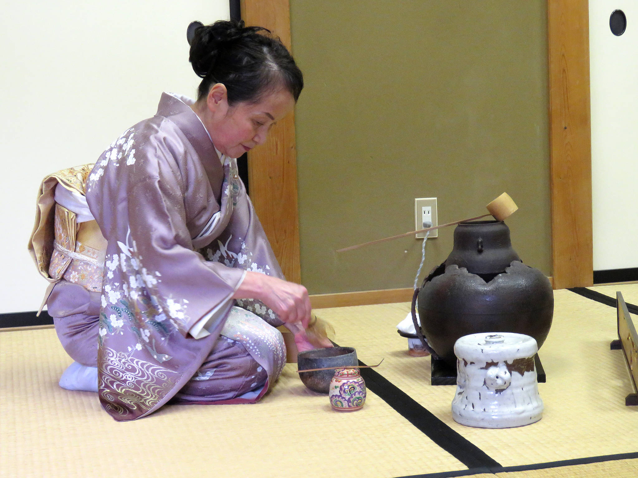 A tea ceremony was led by the tea master associated with the Shuzenji temple. (Photo: Malcolm Fitz-Earle)